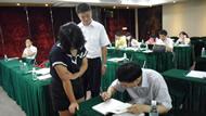 讲师现场签名赠书
